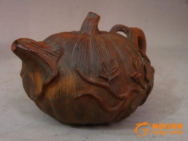 清-小叶黄杨木雕摆件-南瓜壶