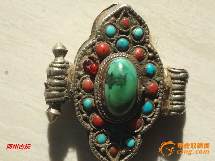 藏传明清藏铜镶嵌绿松石珊瑚嘎乌