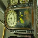 清朝老座钟两个都是罗马盘